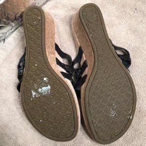 UGG Shoes - UGG Maddie Black Leather Wedge Sandals size 7